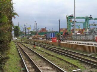 Linha de acesso à margem direita do Porto de Santos. Foto: Lucas M. Rosa