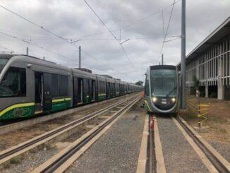 Trens no Centro de Comando e Operações do VLT em Várzea Grande (Carol Siqueira/Divulgação)