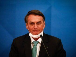 A máscara de Bolsonaro cai | Pablo Jacob