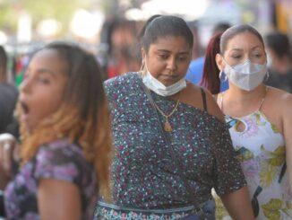 Rio de Janeiro - 23/07/2021 - Coronavirus/ Rio / Pandemia - População se descuida na utilização da máscara em Madureira. Foto : Fábio Costa/ Ag.O Dia