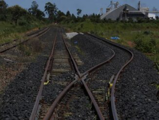 O investimento em infraestrutura no Brasil caiu 5,4% no ano passado, para R$ 115,8 bilhões, segundo consultoria Foto: Michel Filho / Agência O Globo