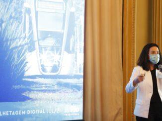 A secretária municipal de Transportes do Rio, Maína Celidônio, em apresentação de novo modelo de bilhetagem eletrônica Foto: Roberto Moreyra / Agência O Globo