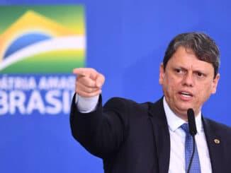 O ministro da Infraestrutura Tarcisio Freitas durante cerimônia no Palácio do Planalto - Evaristo Sá - 18.mai.21/AFP