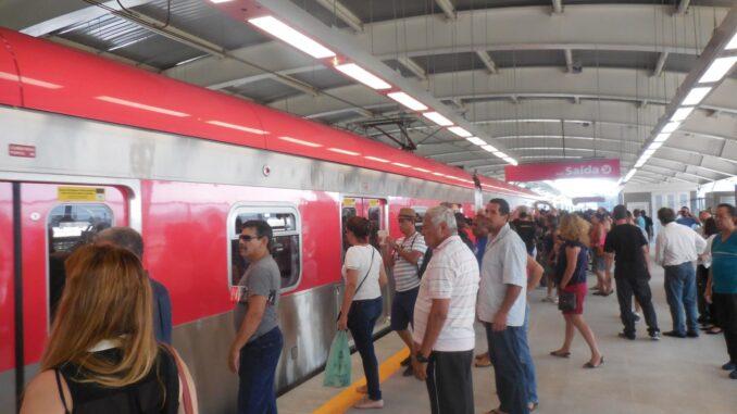 Trem da linha 13-Jade