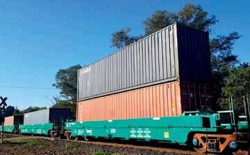 Vagões double stack em operação na Brado - Divulgação/Brado